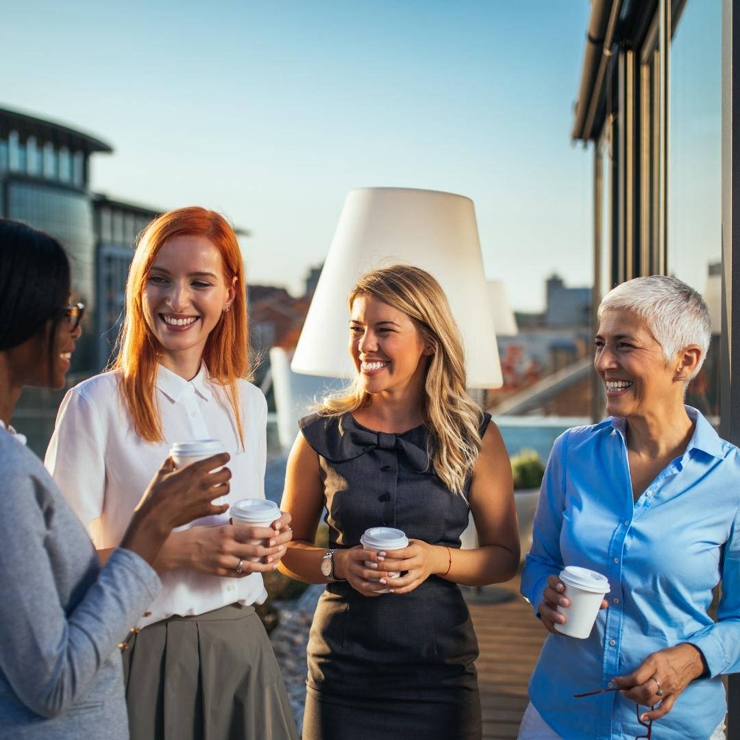 """Business-Frauen – Zeigt Eure Stimme! Warum für Frauen Stimme zeigen und """"Netzwerken"""" so schwierig ist!"""
